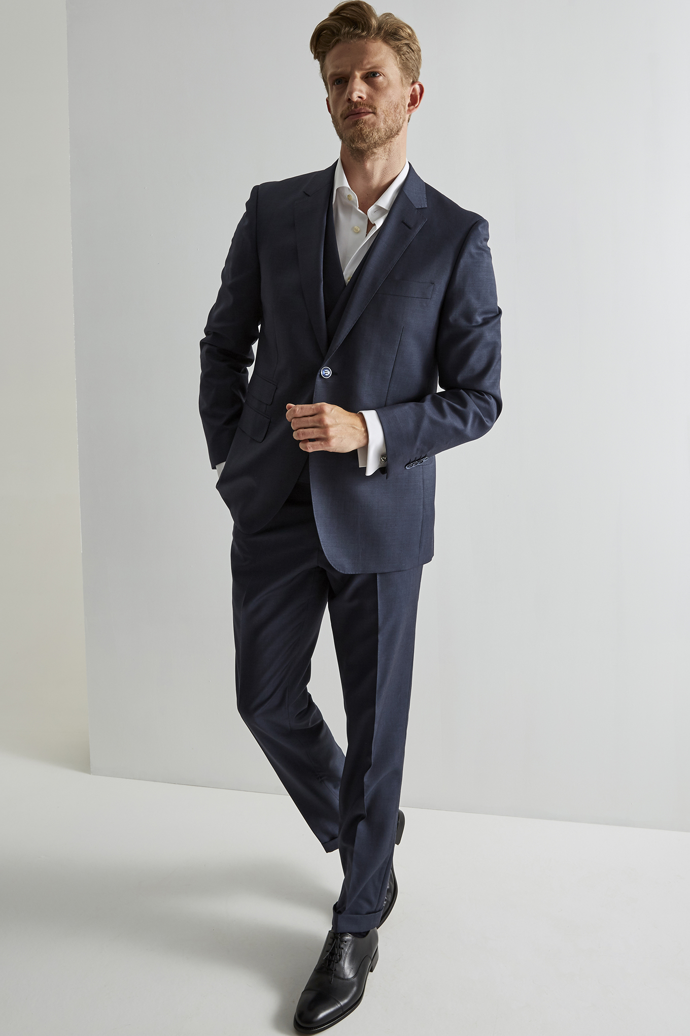Suit with Vest Blue Classic Man