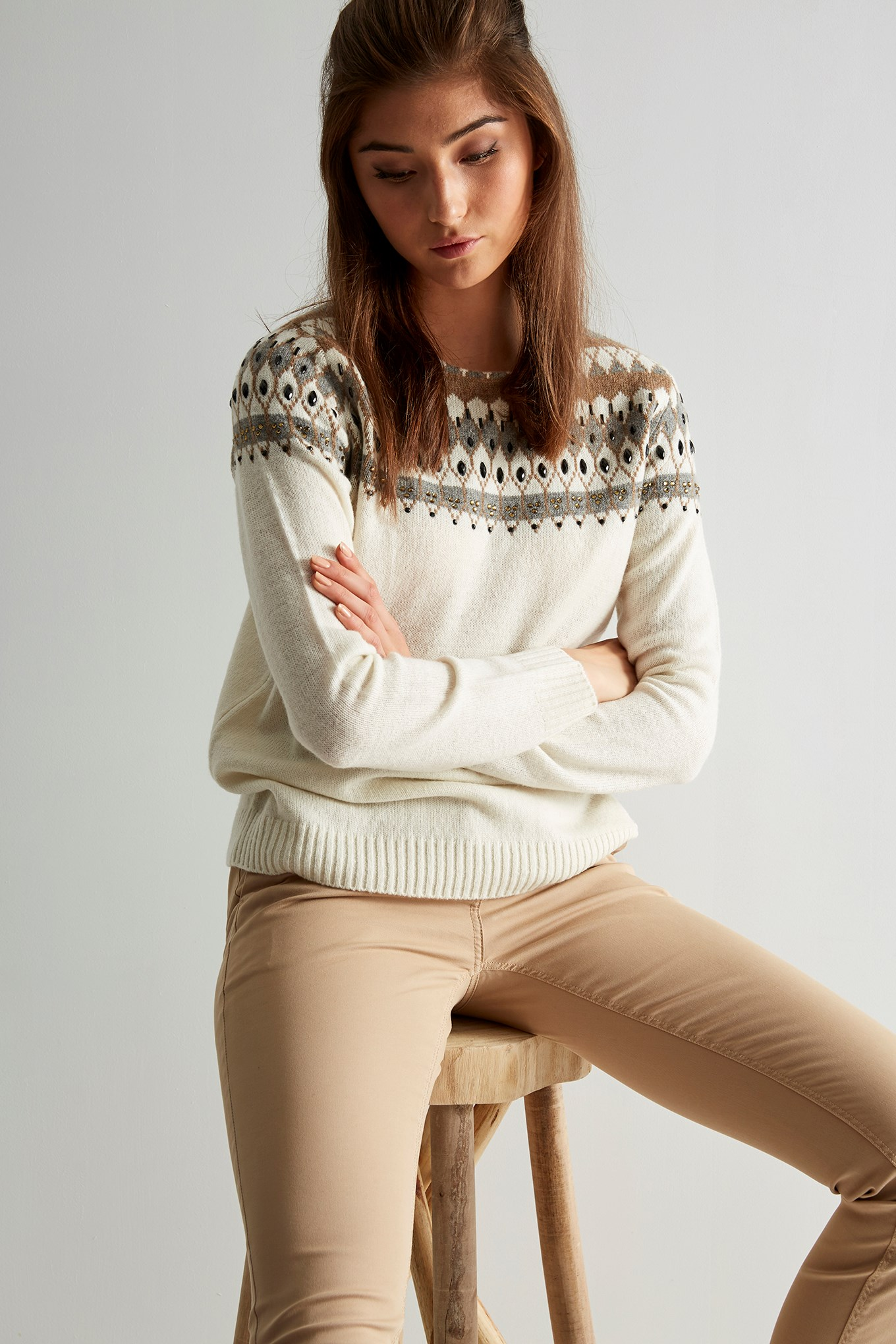 https://static.sacoorbrothers.comSweater Ecru Casual Woman