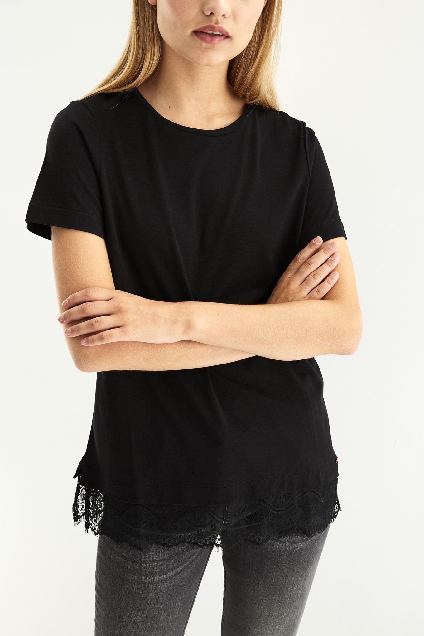 T-Shirt Preto Casual Mulher