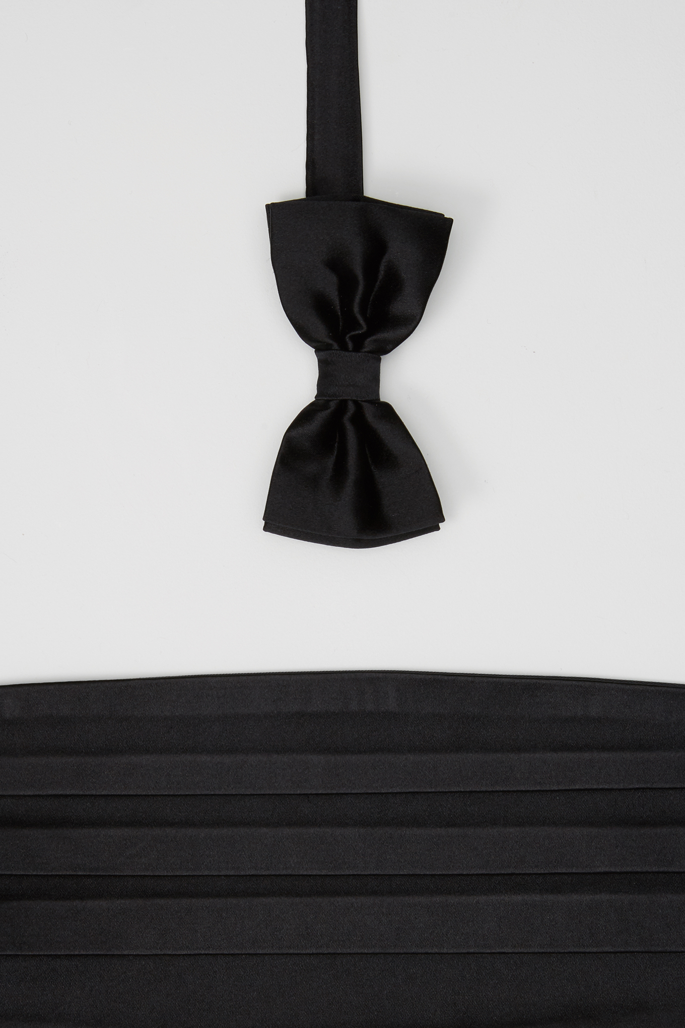 40 Bow Tie & Cummerbund Black Classic Man
