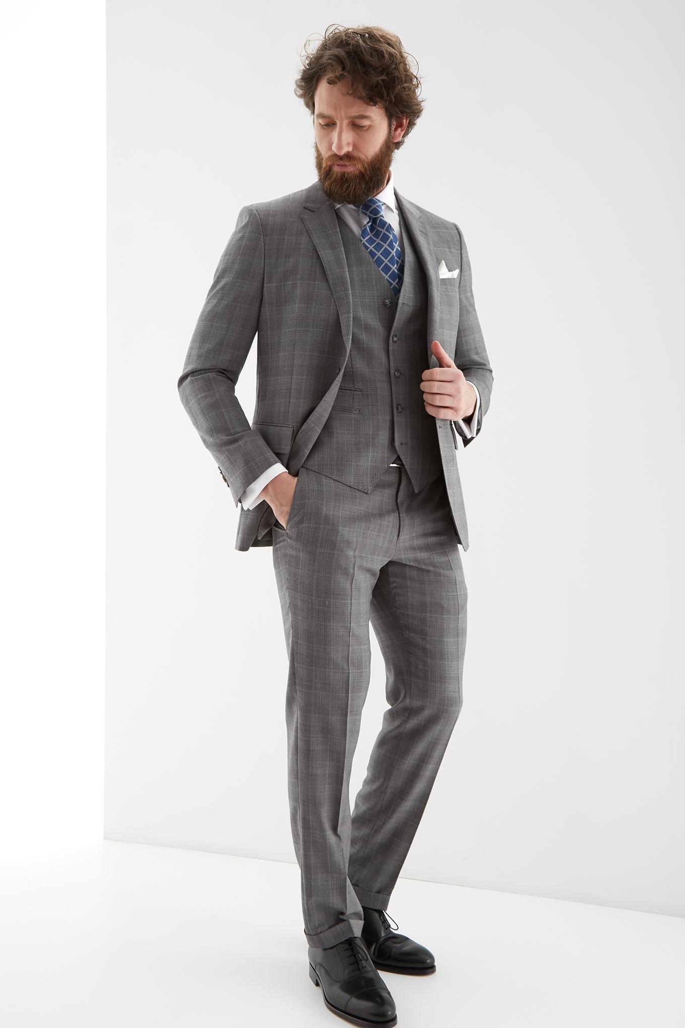 Suit with Vest Grey Classic Man