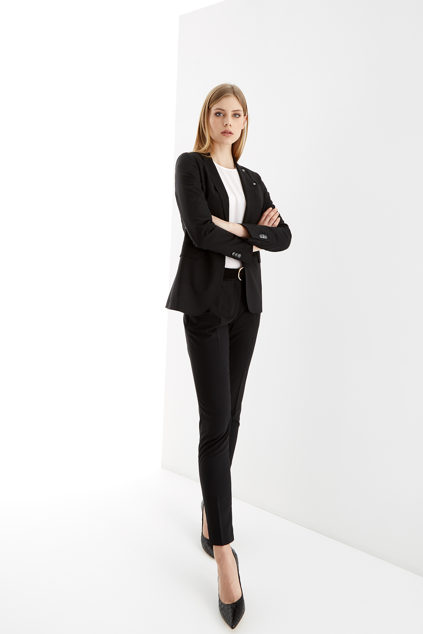 Suit Black Classic Woman