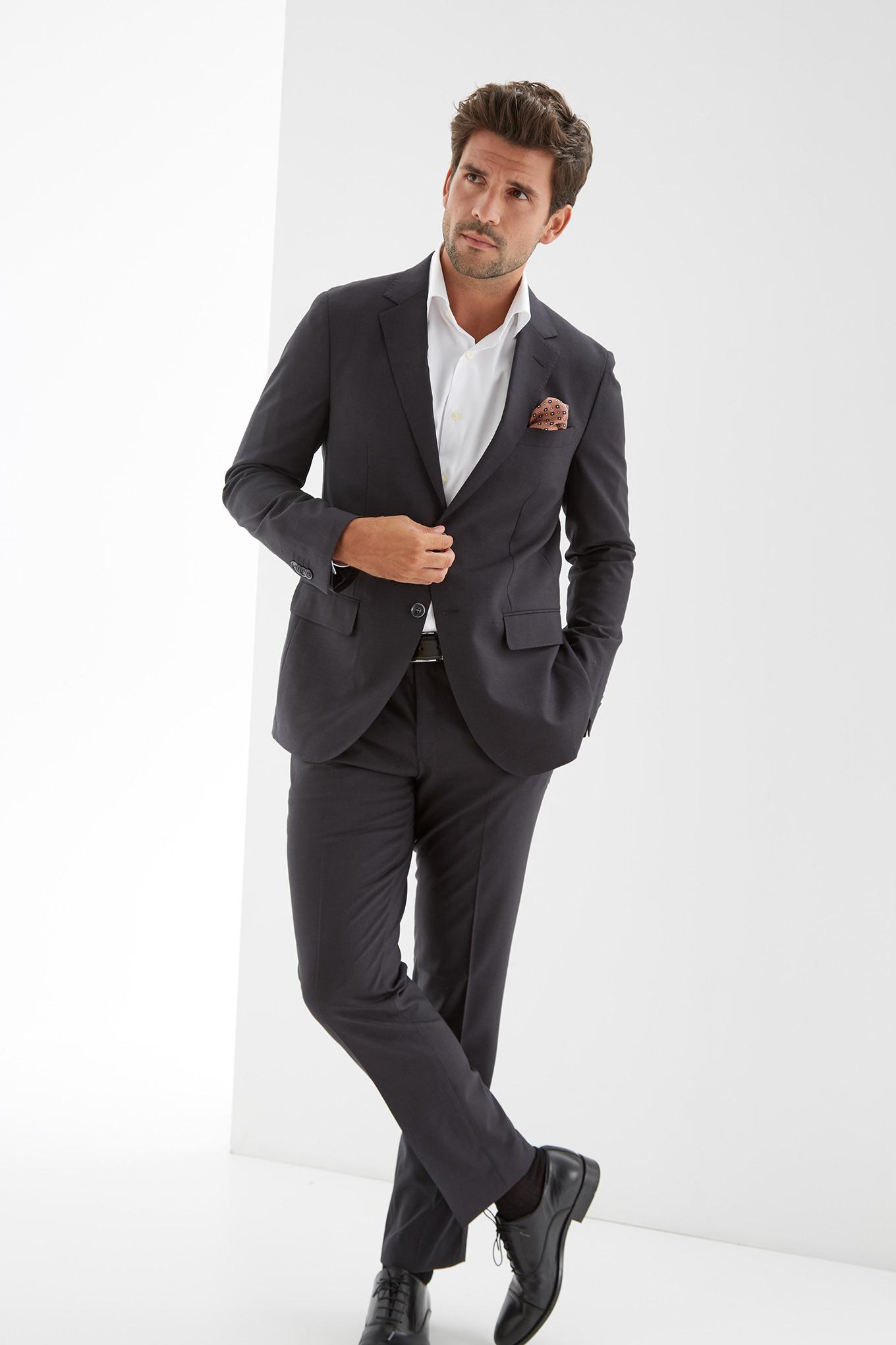 Suit Dark Grey Classic Man