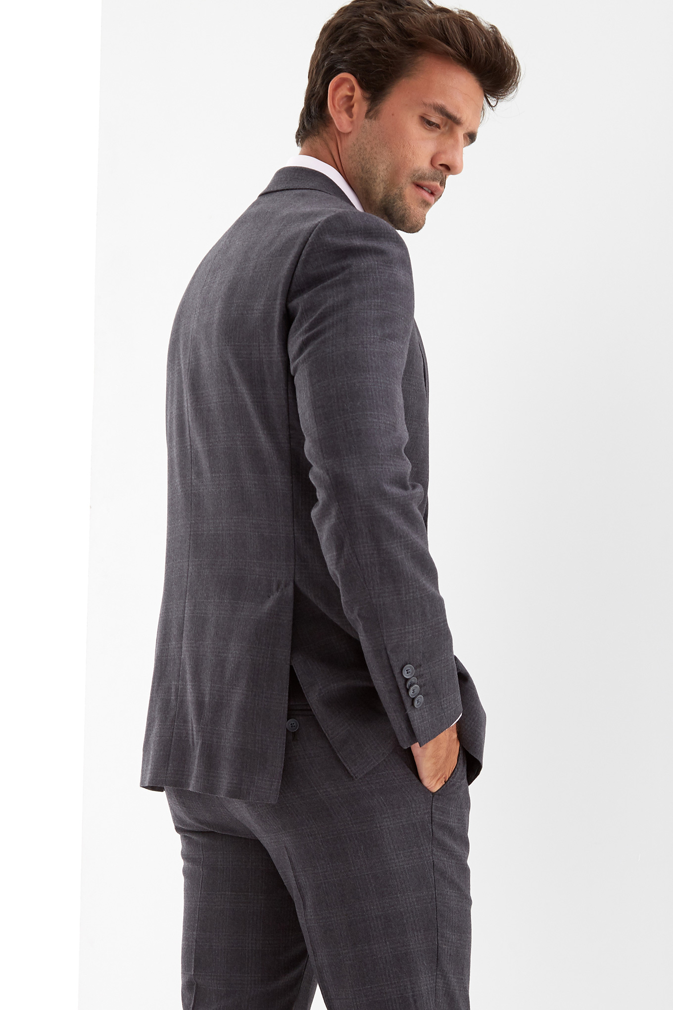 Suit with Vest Dark Grey Classic Man