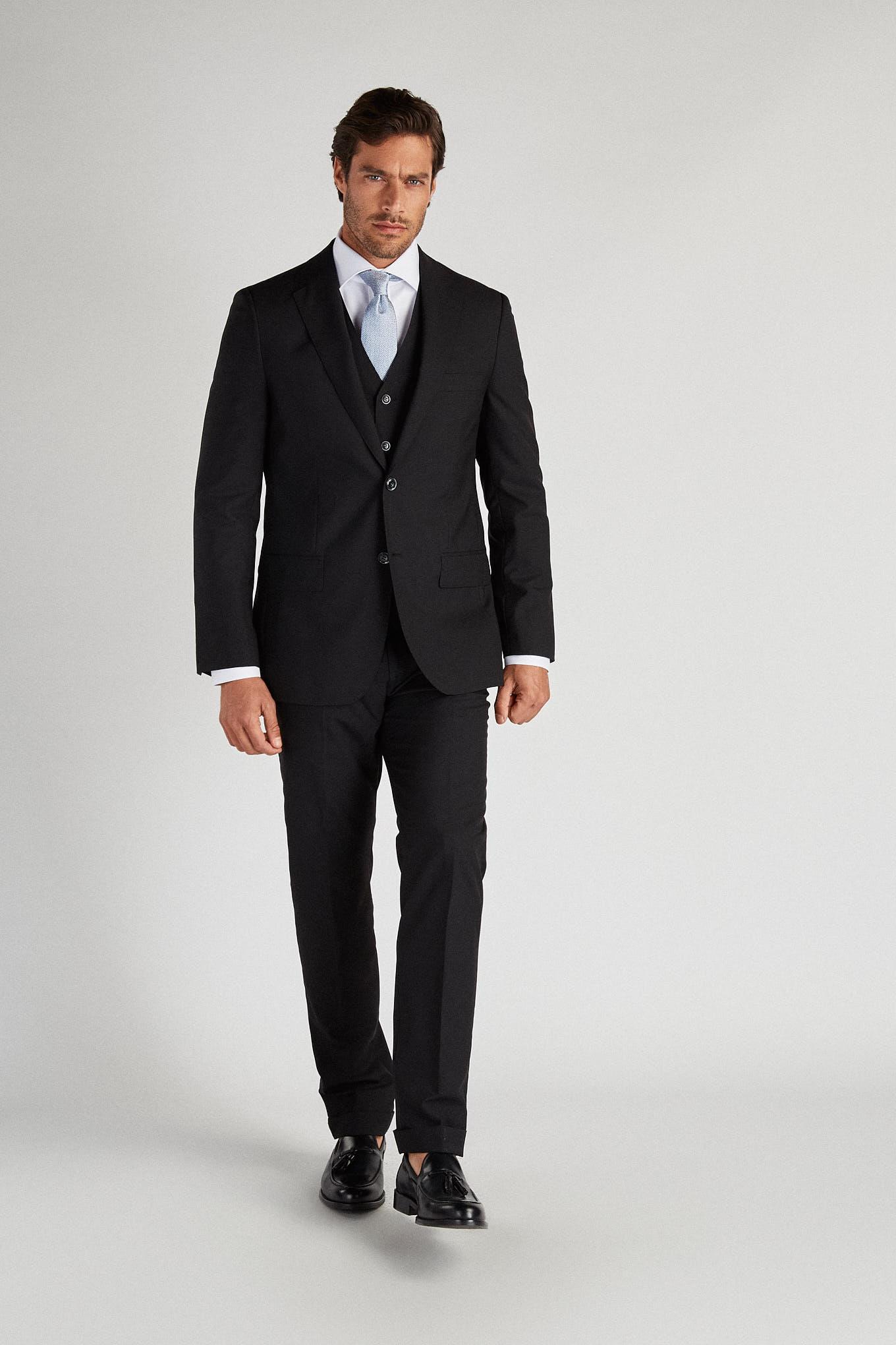 Suit with Vest Black Classic Man