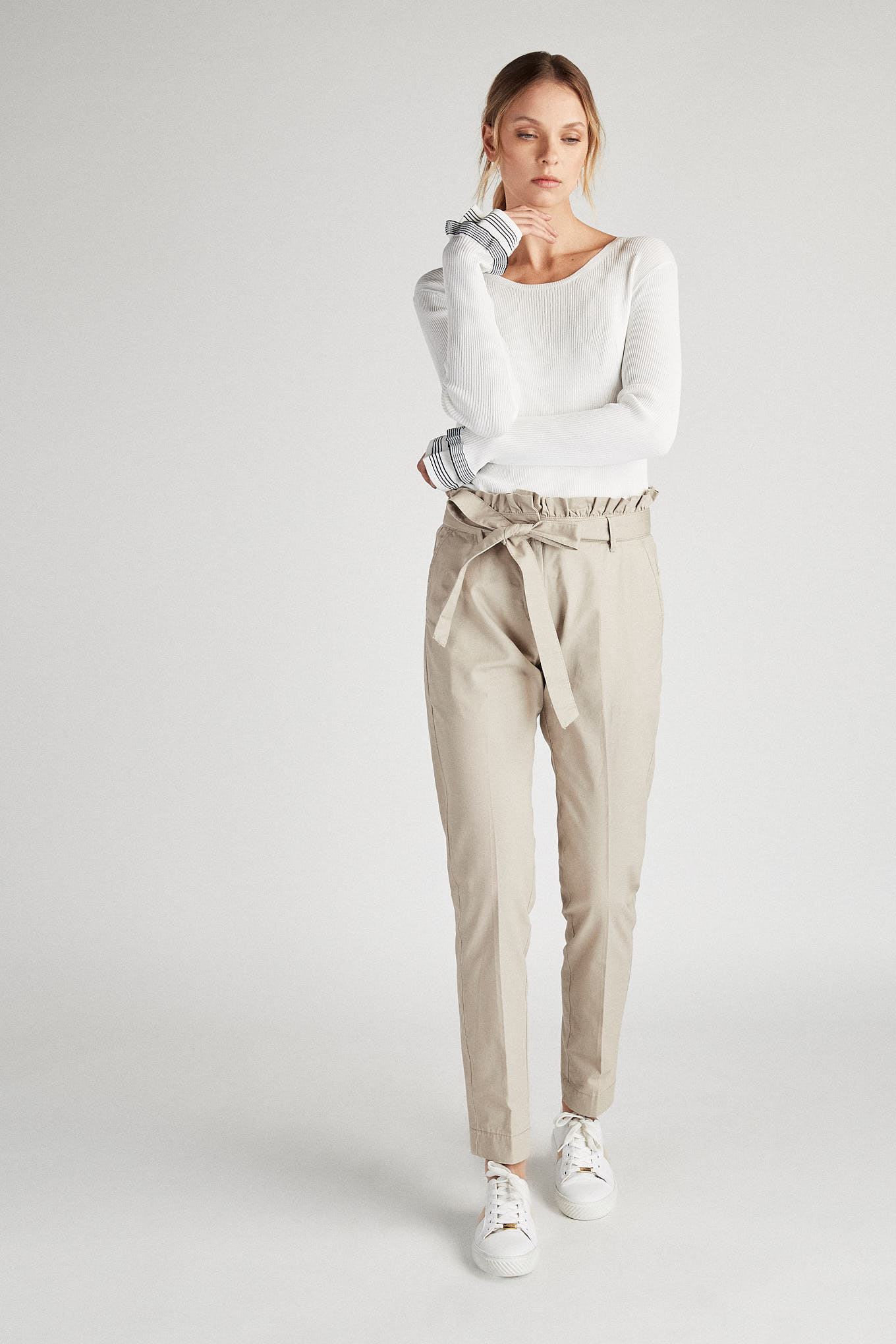 Malha Branco Casual Mulher