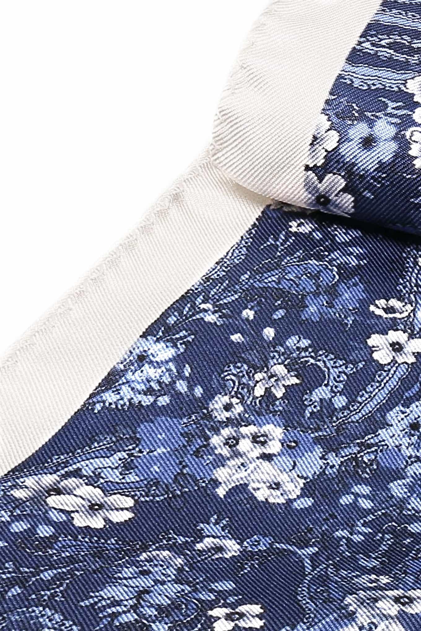 Handkerchief Blue Classic Man