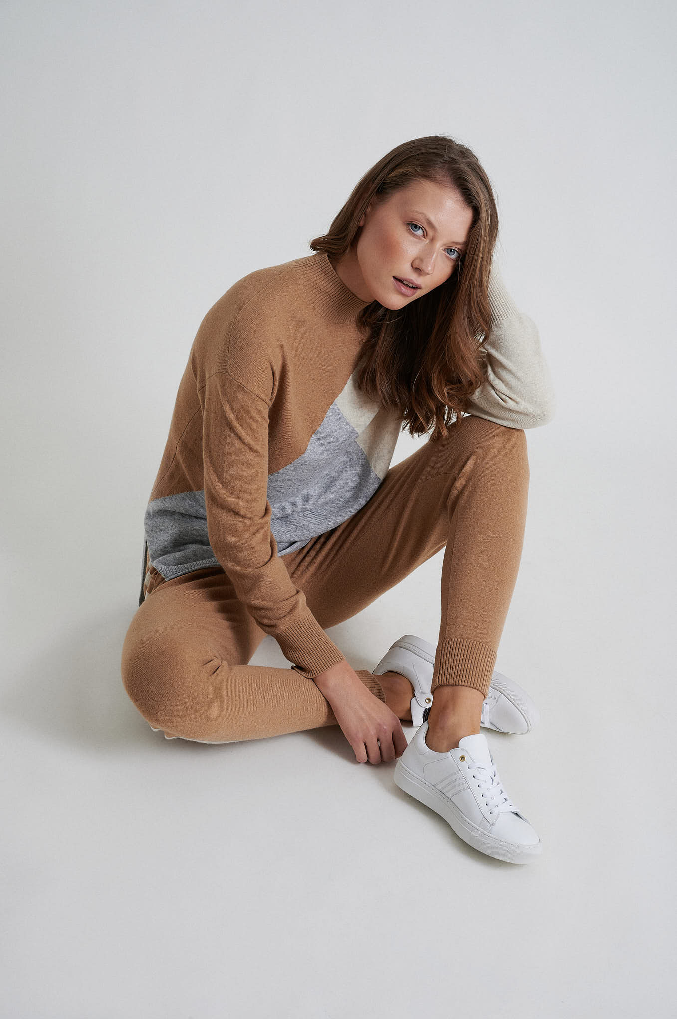 Sweater Camel Casual Woman